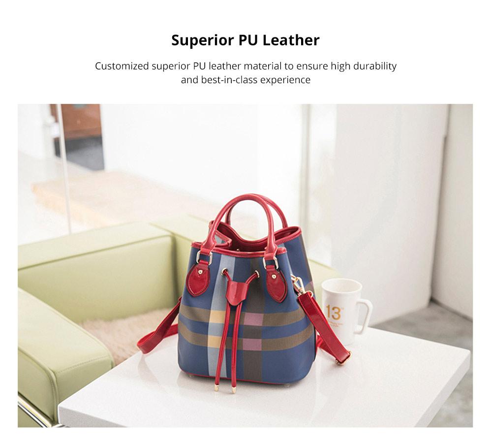 Elegant Grid Shoulder Bag for shopping