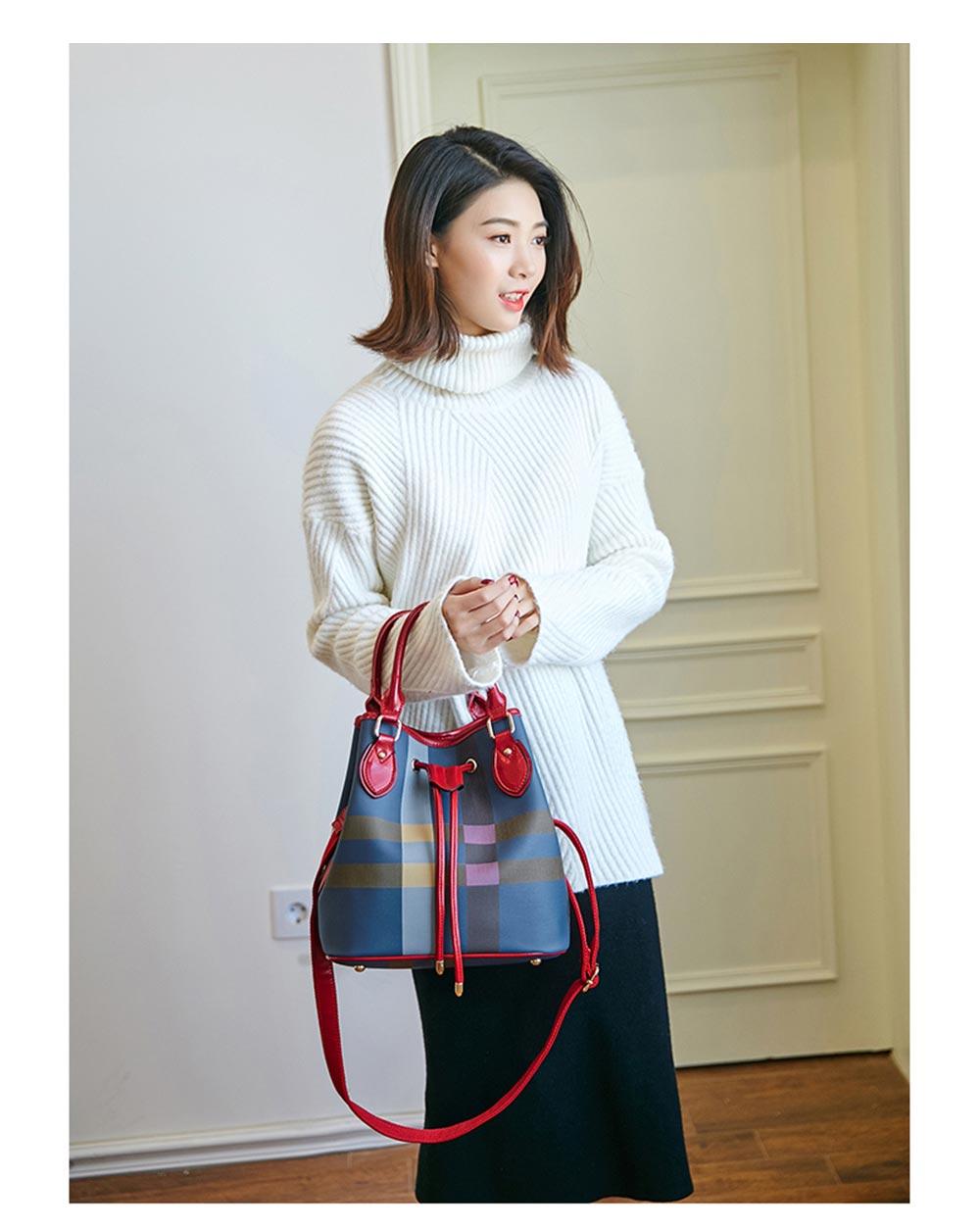 Elegant Grid Shoulder Bag for traveling