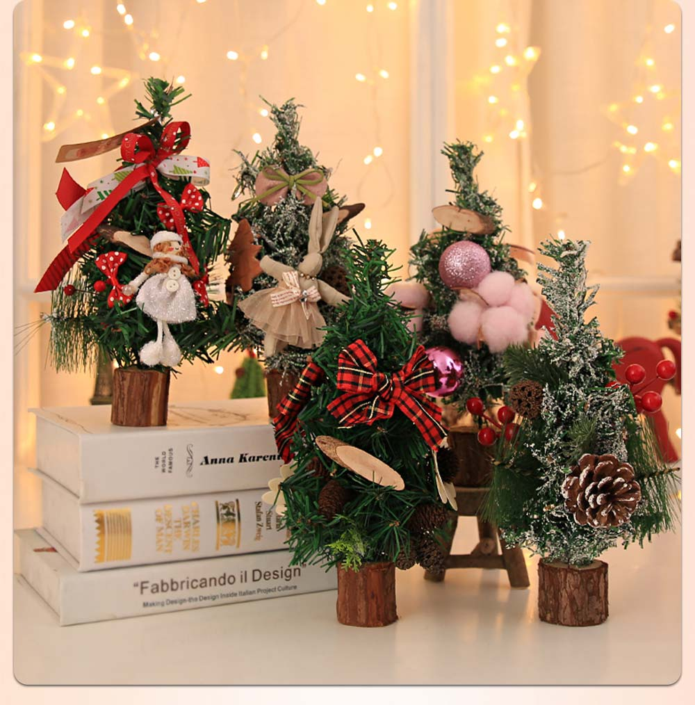 Christmas Tree Luxurious Christmas Decoration with Bow