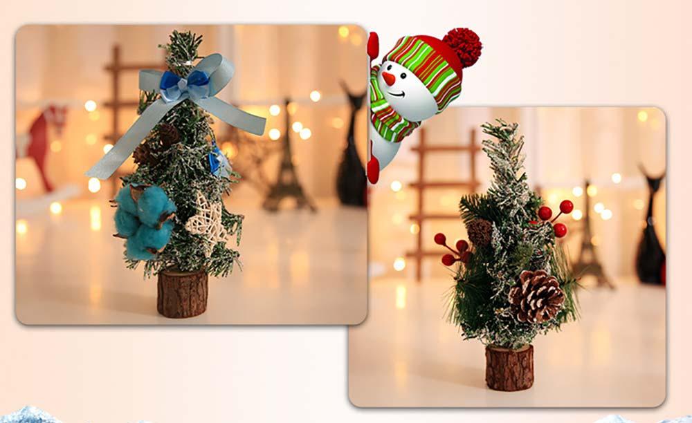 Christmas Tree Luxurious Christmas Decoration with Pine Cone