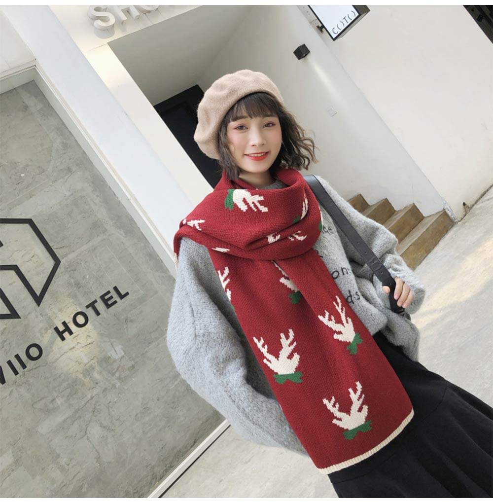 girls Fashionable Christmas Scarf