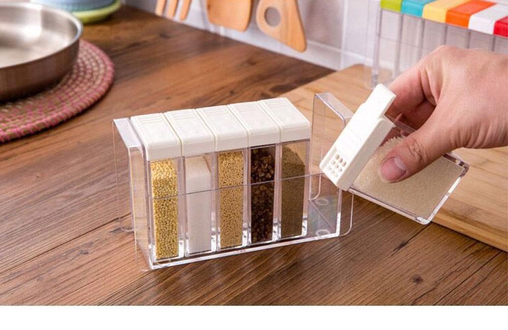 Transparent Plastic Seasoning Box, Six-Piece Set of Seasoning Bottle for Placing Salt, Sugar, Pepper 4