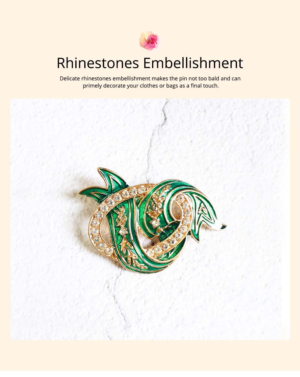 Elegant Green Wave Model Rhinestone Embellishment Alloy Brooch for Women, Scarf Clothes Ornament Accessories Breastpin Women Jewelry 5