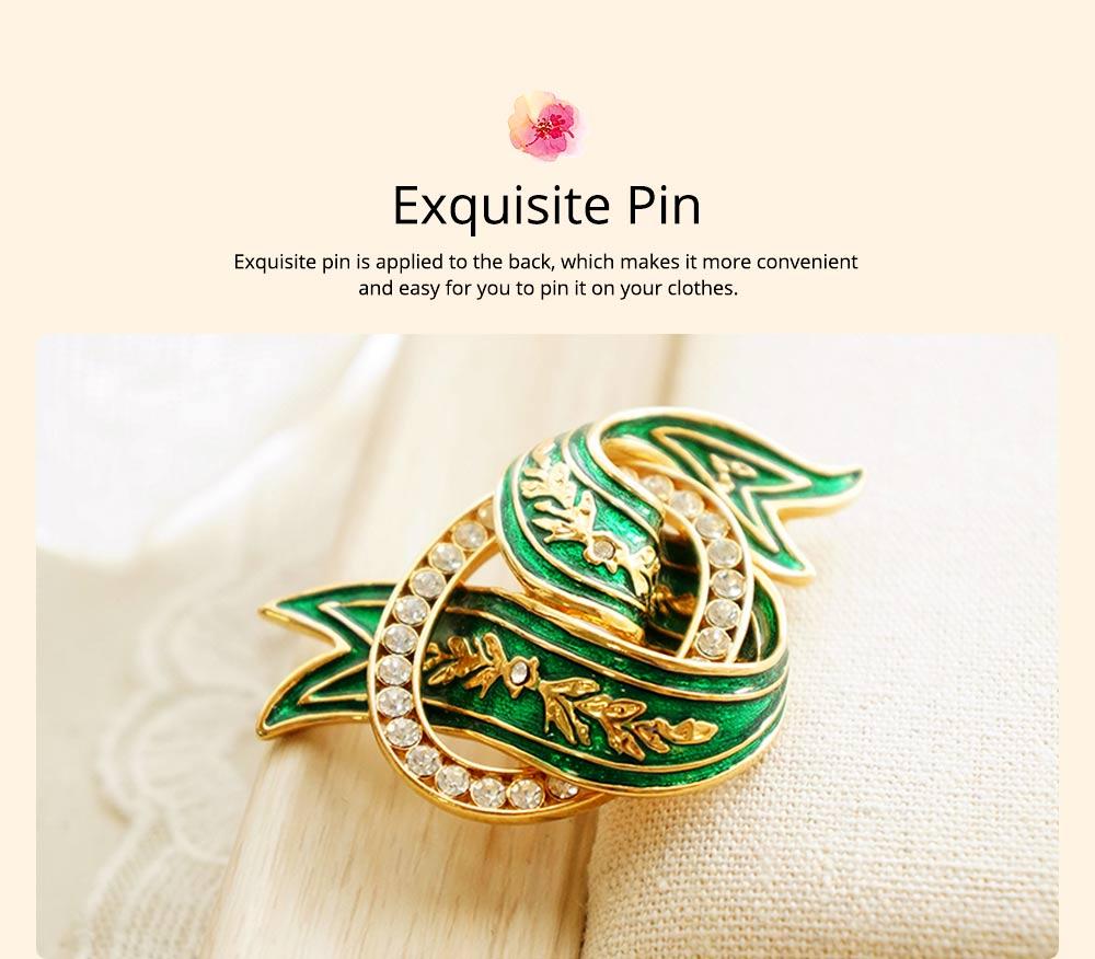 Elegant Green Wave Model Rhinestone Embellishment Alloy Brooch for Women, Scarf Clothes Ornament Accessories Breastpin Women Jewelry 4