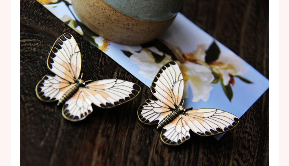 Stylish Atmosphere Butterfly Cartoon Insect Brooch for Ladies, Diamonds Drilling Dripping Clothes Accessories Decoration Breastpin 2
