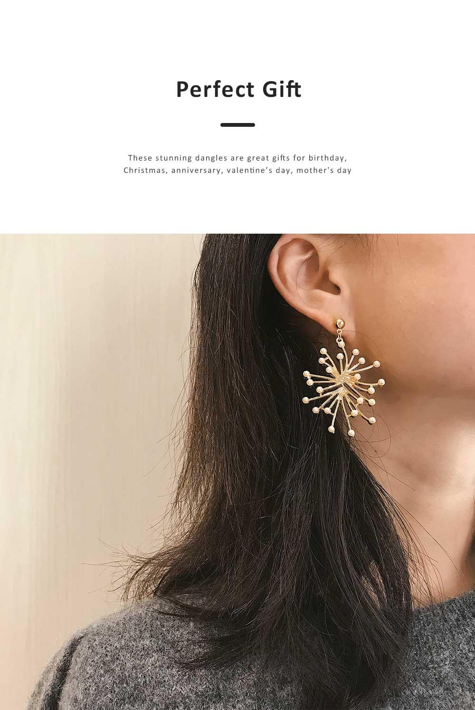 Trendy Alloy Snowflake Earrings Beautiful Ear Decoration Sparkling Stud Earring for Women Girls 1