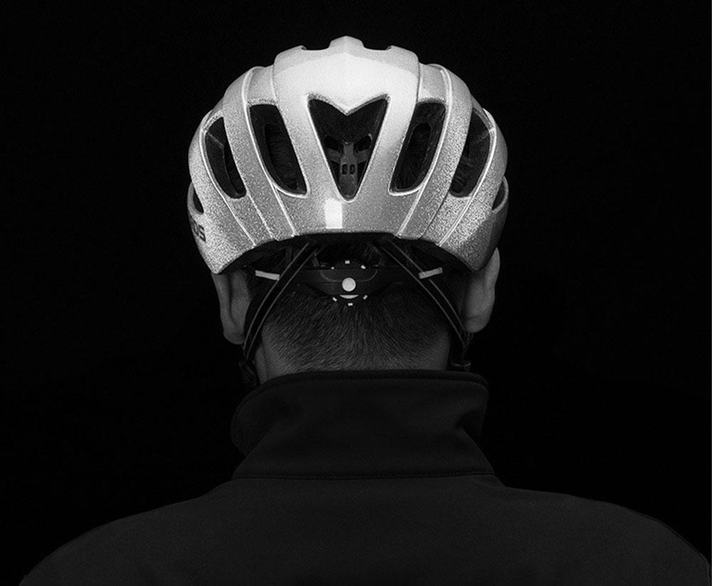 ROCKBROS Reflective Riding Helmet Warning Bicycle Helmet for Night Riding Integrated Helmet Men Riding Helmet for Mountain Road 11
