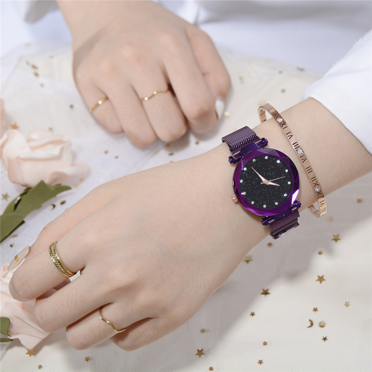 Magnetic Lazy Quartz Watch Cross-border Hot Sale Starry Star Rhinestone Vibrato Starry Sky Watch 5