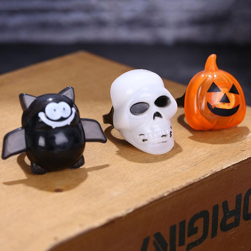 Halloween Plastic Ring LED Glowing Pumpkin Lantern Ring Bat Skull Ring Tricky Small Gift 0