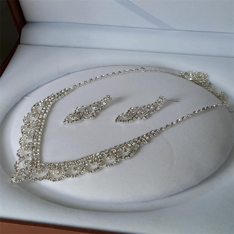 Fashion Lace Inlaid Diamond Necklace Earrings Set 602 Woman Accessories Wedding Decorations 1