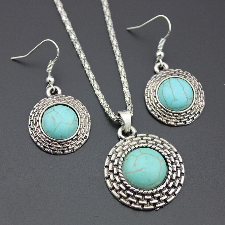 European Style Retro Round Turquoise Necklace Earrings Two-piece Turquoise Pendant Earrings Set 2