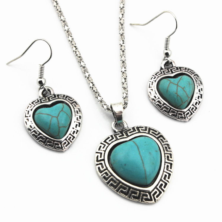 European Style Necklace And Earrings Set Retro Turquoise Alloy Heart-shaped Necklace Love Necklace Jewelry 4