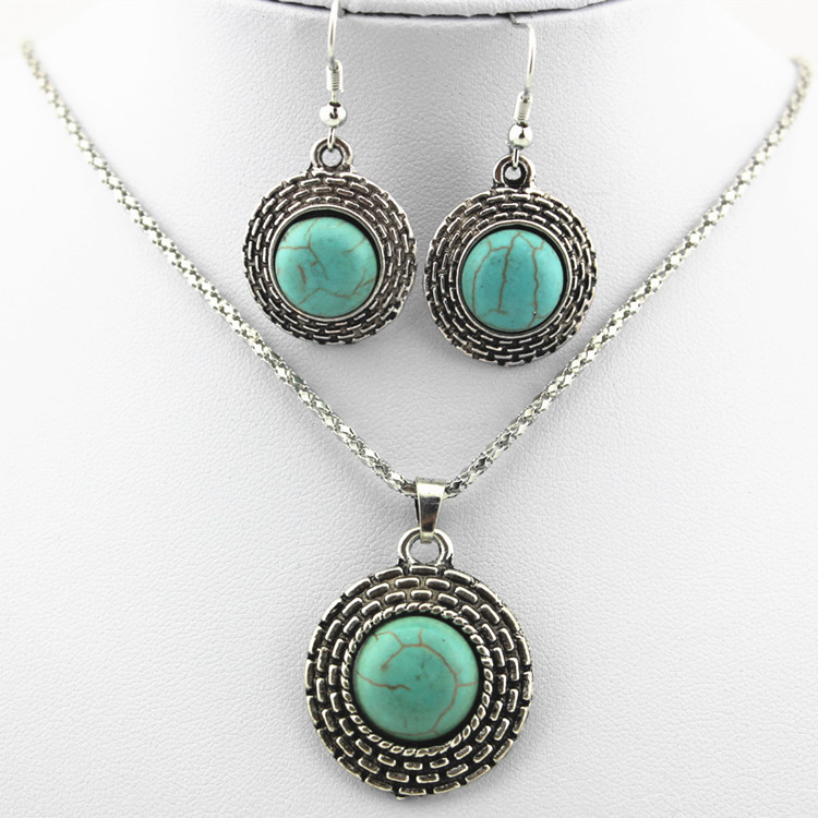 European Style Retro Round Turquoise Necklace Earrings Two-piece Turquoise Pendant Earrings Set 1