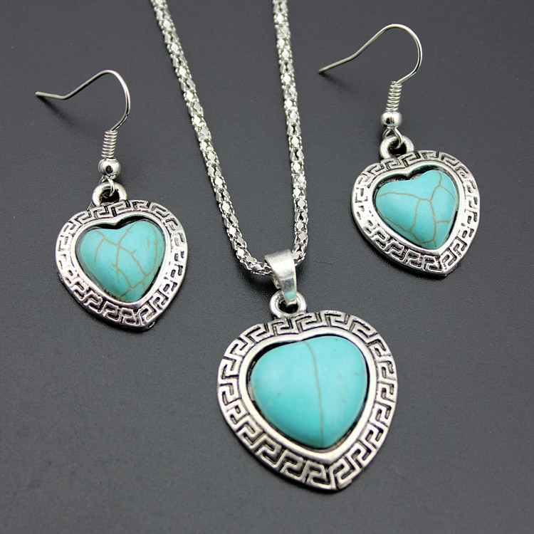 European Style Necklace And Earrings Set Retro Turquoise Alloy Heart-shaped Necklace Love Necklace Jewelry 0