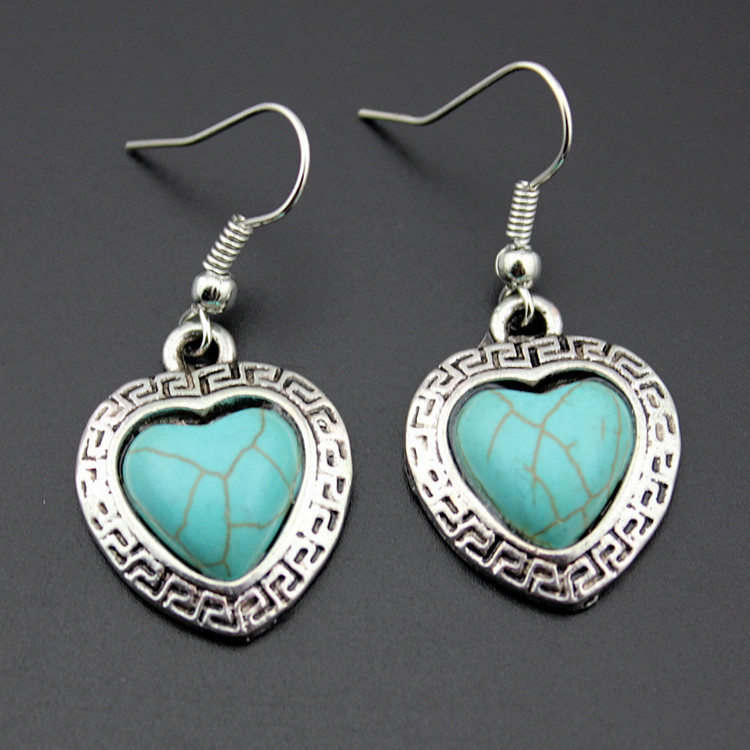 European Style Necklace And Earrings Set Retro Turquoise Alloy Heart-shaped Necklace Love Necklace Jewelry 2