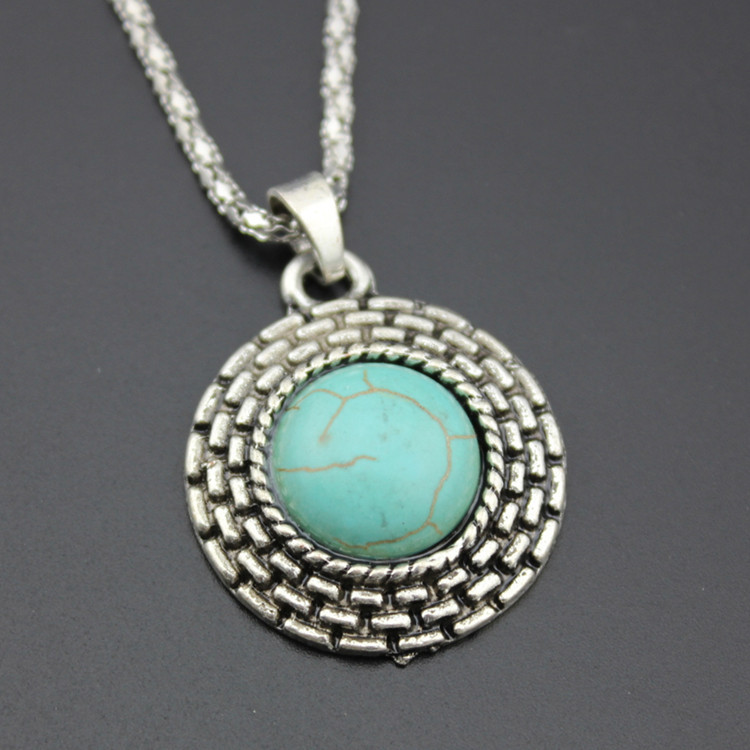 European Style Retro Round Turquoise Necklace Earrings Two-piece Turquoise Pendant Earrings Set 4