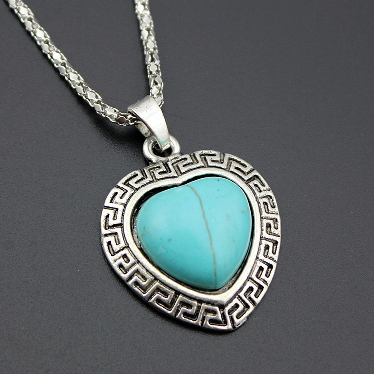European Style Necklace And Earrings Set Retro Turquoise Alloy Heart-shaped Necklace Love Necklace Jewelry 1