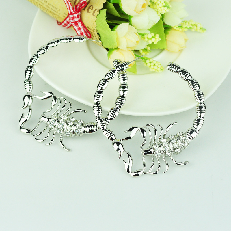 Stylish Environmentally Friendly Alloy Diamond-studded Scorpion Earring For Ladies 4