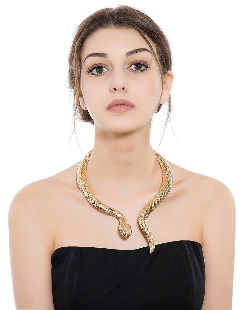 Fashionable Jewelry Retro Exaggerated Golden Serpentine Spring Large Collar Necklace 0