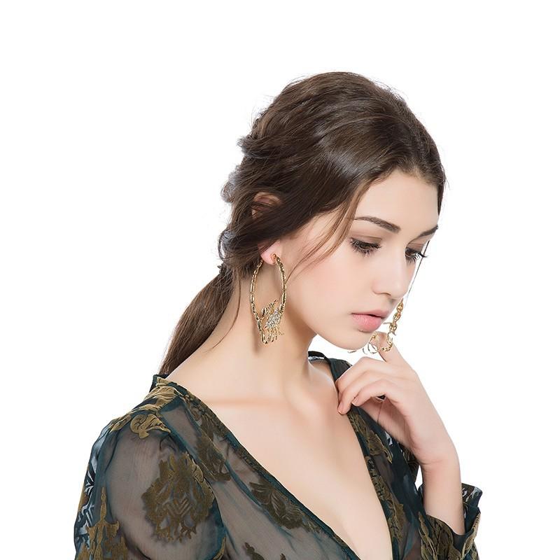 Stylish Environmentally Friendly Alloy Diamond-studded Scorpion Earring For Ladies 1