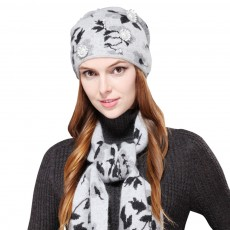 Fashion Women Hat Scarf Set With Beautiful Floral Painting Warm Soft Delicate Rabbit Fur Scarf Hooded Beanie Cap