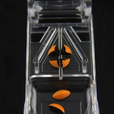 Pill Cutter with Ergonomic Design Transparent Pill Splitter with Stainless Steel for Accurate Cutting