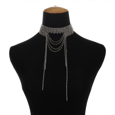 Retro Style Necklace for Women Set Auger Show the Clavicle Multilayer Alloy Material Collarbone Chain