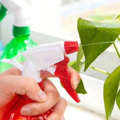 Hand Press Small Plastic Spray Bottle for Home, School, Office Candy Color Gardening Tool Watering Can