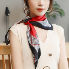 Autumn and Winter Style Fashionable Small Square Scarf Versatile Scarf Neck Protection Korean Small Scarf