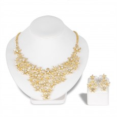 Alloy Necklace Set KC Gold Exquisite Diamond With Flower Design Necklace Earring Two-piece Set