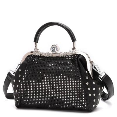 Large Capacity Hollow Shoulder Bag Women 2020 New Wide Shoulder Srap Messenger Bag Trendy Fashion All-match Portable Shell Bag