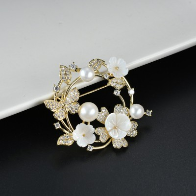 2021 Zircon Inlaid Natural Shell Freshwater Pearl Wreath Fashion Dual-use Pendant Brooch