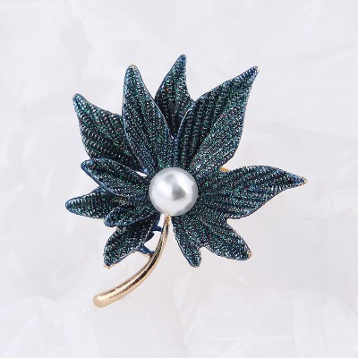 Retro Pearl Double Layer Maple Leaf Brooch Female Fashion Beautiful Sweater Suit Jacket Pin With Accessories