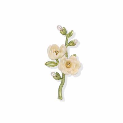 Plant Brooch Literary Retro White Magnolia Freshwater Pearl Senior Spray Paint Brooch