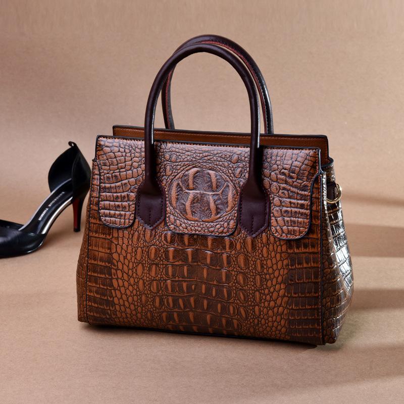 Female bag 2020 new European and American fashion ladies bag crocodile pattern shoulder messenger handbag female big bag 1