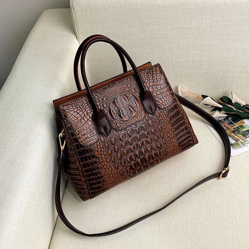 Female bag 2020 new European and American fashion ladies bag crocodile pattern shoulder messenger handbag female big bag 3