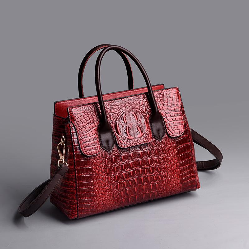 Female bag 2020 new European and American fashion ladies bag crocodile pattern shoulder messenger handbag female big bag 2