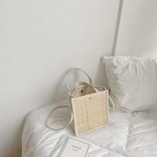 Canvas stitching straw bag