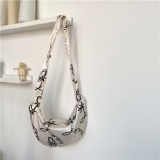 Flower print dumpling bag