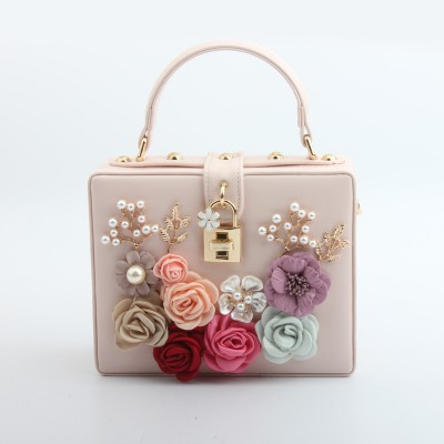European and American summer new product fashion lock hand-inlaid flower portable small square bag Trendy fashion banquet ladies bag