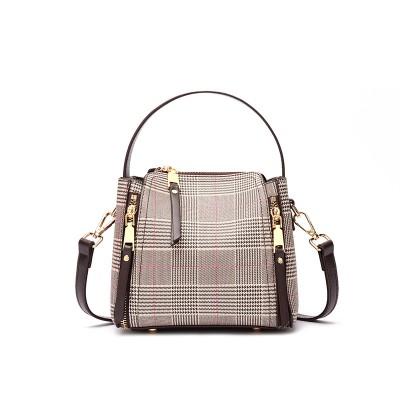 New trendy handbag checkered shoulder messenger bucket female bag