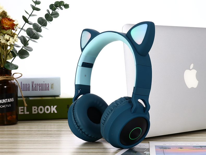 New Arrival LED Cat Ear Noise Cancelling Headphones Bluetooth 5.0 Young People Kids Headset Support TF Card 3.5mm Plug With Mic 7