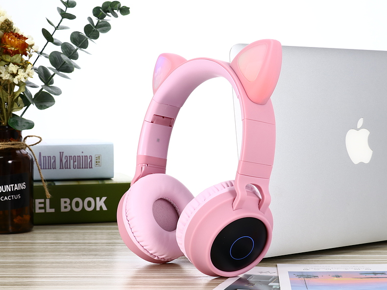 New Arrival LED Cat Ear Noise Cancelling Headphones Bluetooth 5.0 Young People Kids Headset Support TF Card 3.5mm Plug With Mic 4