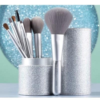 Makeup Brush Tool Set Cosmetic Powder Eye Shadow Foundation Blush Blending Beauty Make Up Brush with Makeup Brush Holders