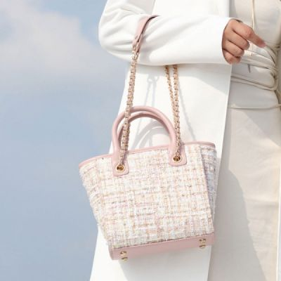 Elegant Girls Handbag with Pearl Decoration Sleek Weave Women's Bag with Metal Shoulder Strap Woolen Crossbody Bag for Women